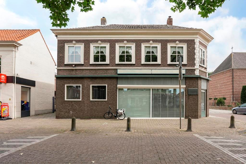 Bekijk foto 3 van Mgr. Zwijsenplein 31