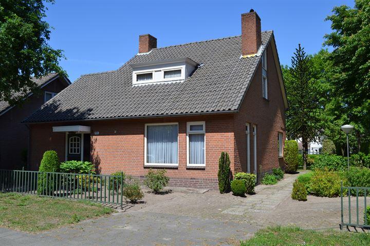 Dorpsstraat 155 .