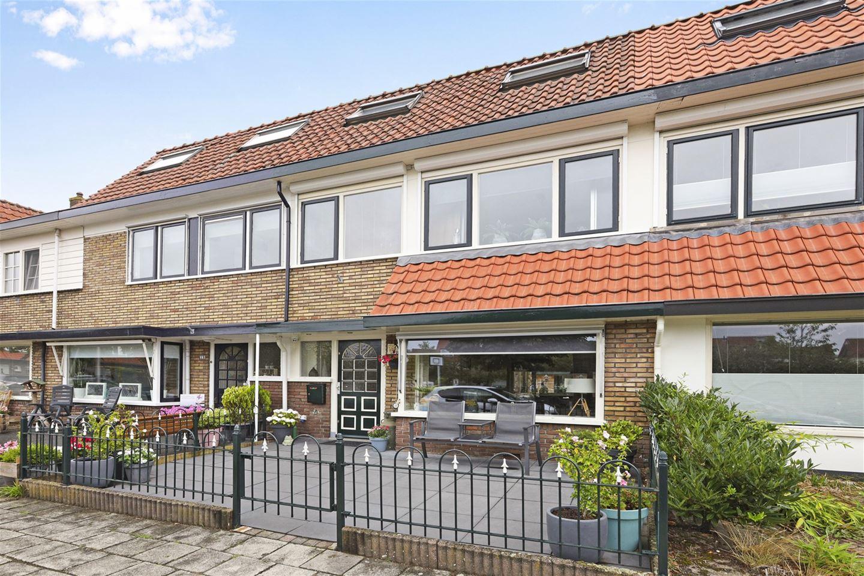 Bekijk foto 1 van Maasstraat 17