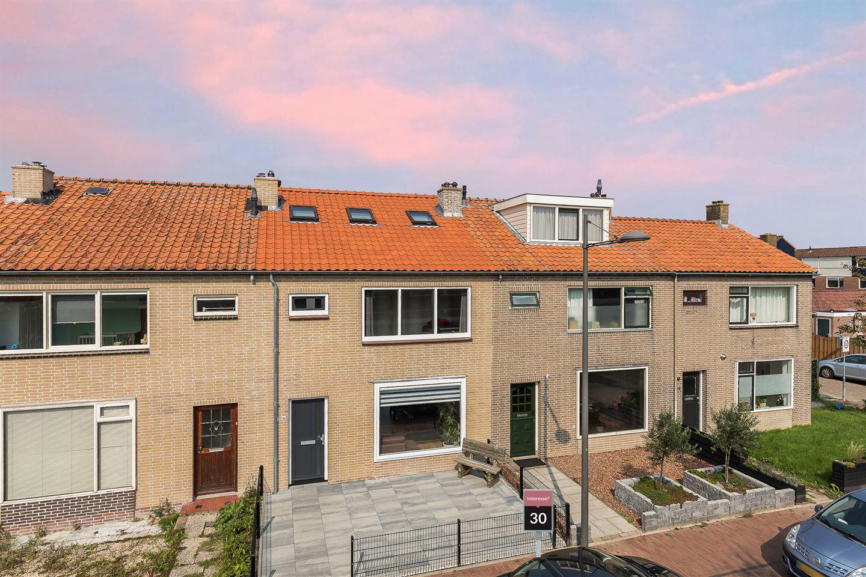 Bekijk foto 1 van Prins Bernhardstraat 30