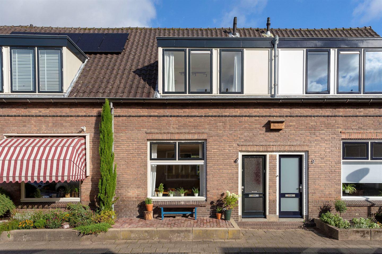 Bekijk foto 1 van Rembrandtstraat 11