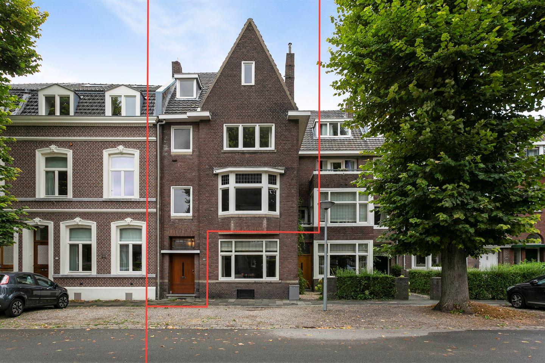 Bekijk foto 2 van Graaf van Waldeckstraat 29 A