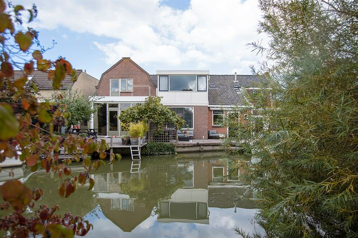 Amalia van Solmsstraat 32