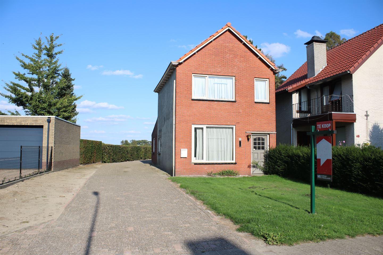 Bekijk foto 1 van Pastoor de Bakkerstraat 48
