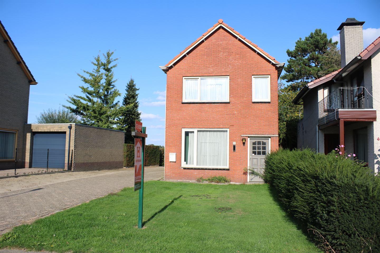 Bekijk foto 2 van Pastoor de Bakkerstraat 48