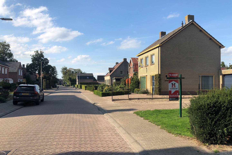 Bekijk foto 3 van Pastoor de Bakkerstraat 48
