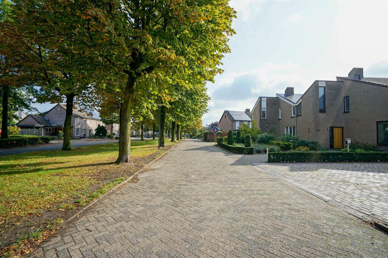 Bekijk foto 2 van Burgemeester Diepstratenlaan 24
