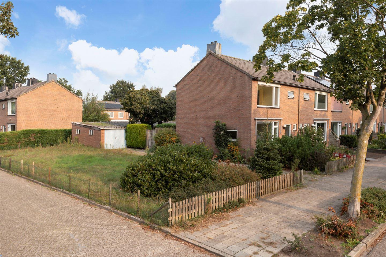 Bekijk foto 1 van Van der Duyn van Maasdamstraat 53