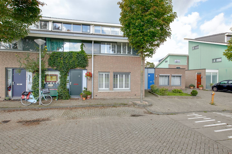 Bekijk foto 2 van Herentalsstraat 72