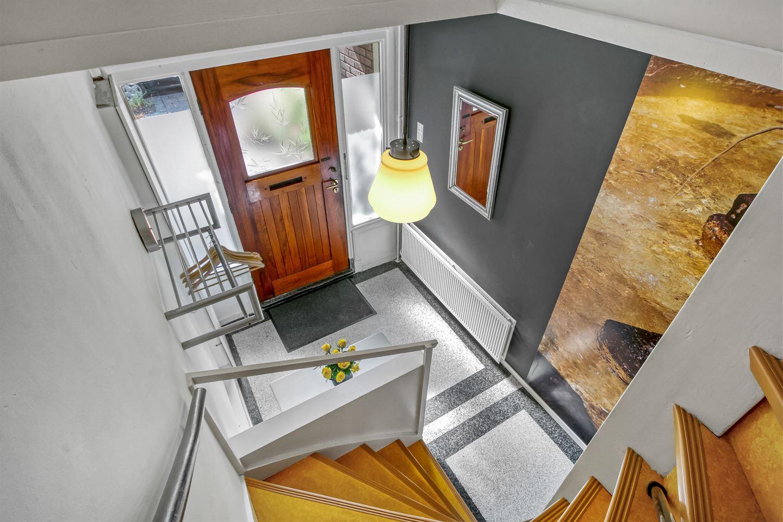 Bekijk foto 3 van J.P. Coenstraat 7