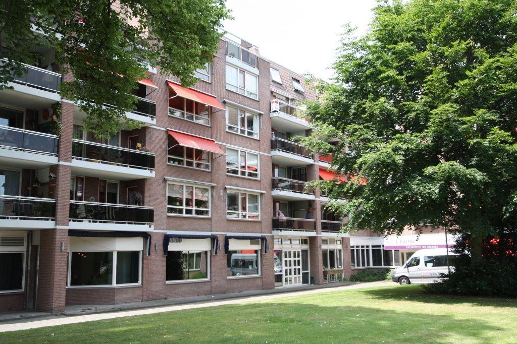 View photo 2 of Waterlooplein 410