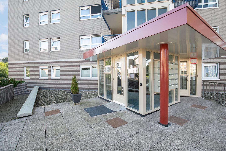 Bekijk foto 2 van Beatrixstraat 73