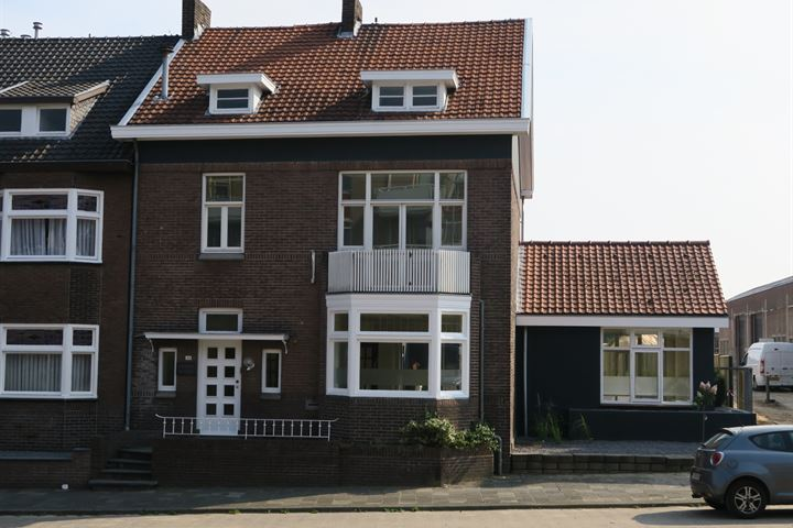 Stationstraat 143