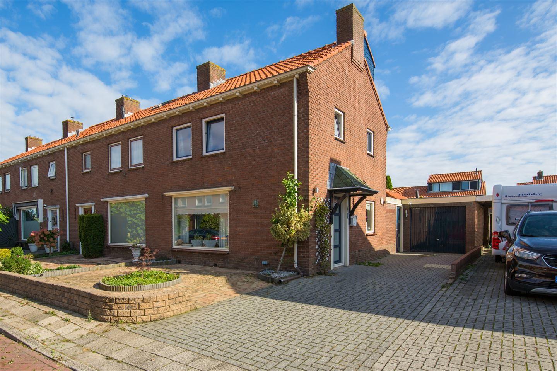 Bekijk foto 2 van Burgemeester Van Meursstraat 7