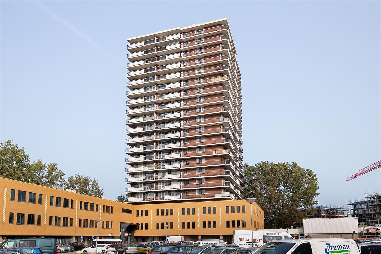 Bekijk foto 1 van Croesinckplein 95
