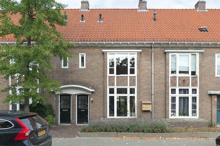 Petrus Dondersstraat 77