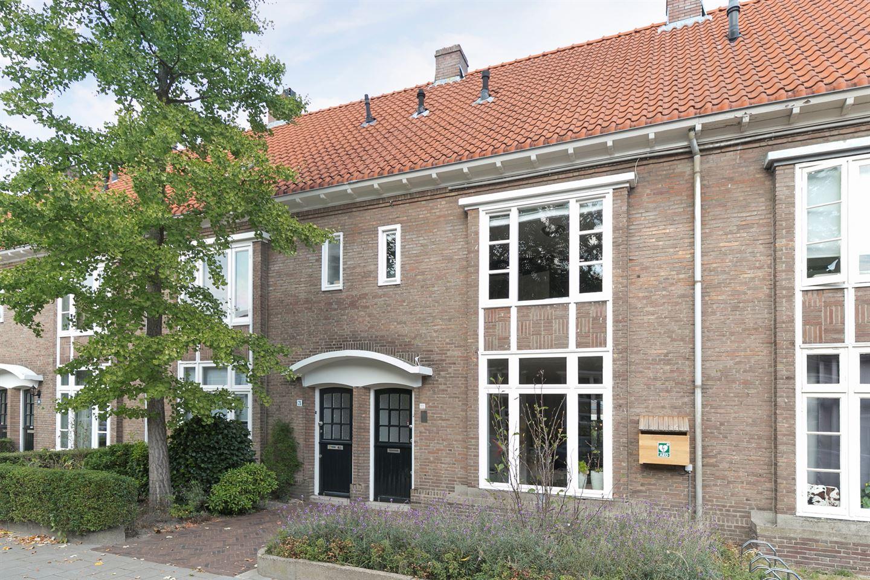 Bekijk foto 2 van Petrus Dondersstraat 77