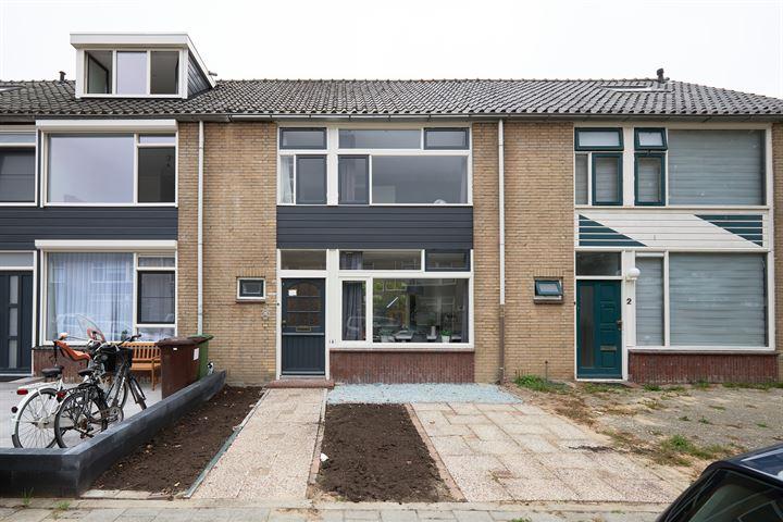 Robijnstraat 4