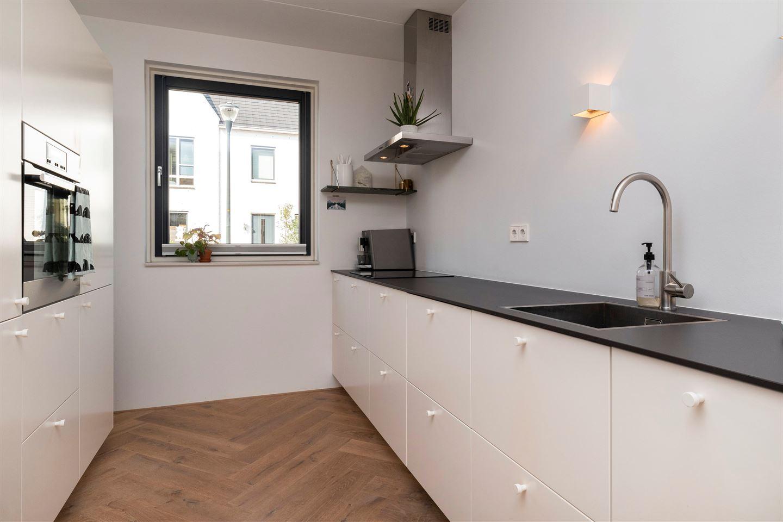 Bekijk foto 3 van Jan Lievensstraat 51