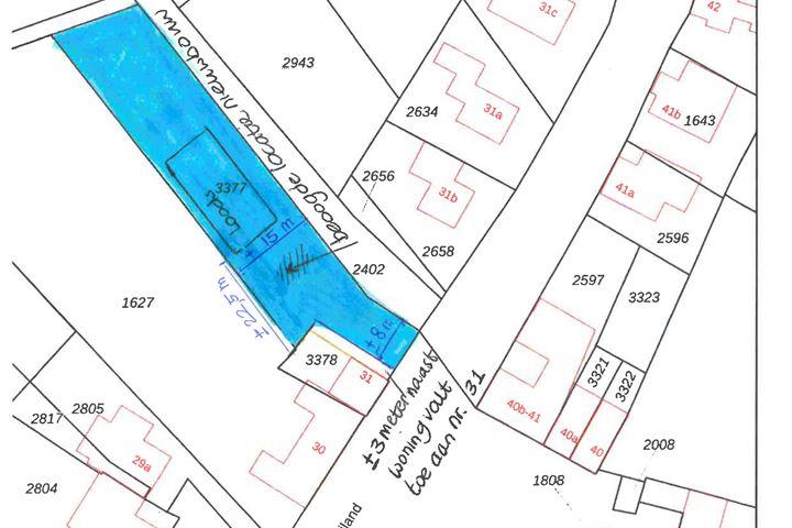 Eiland bouwlocatie met loods