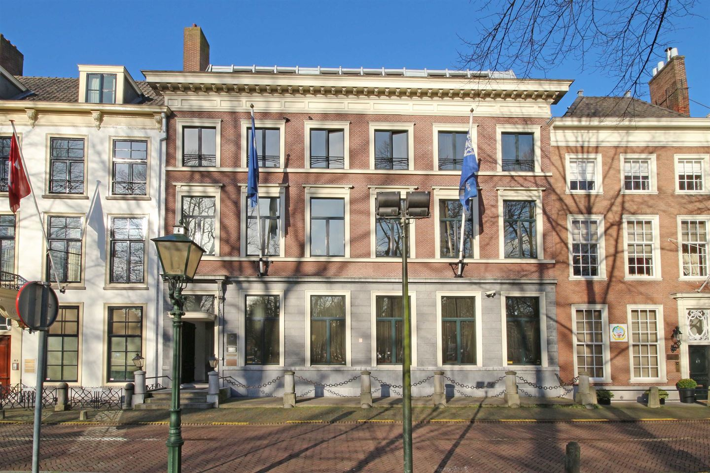 View photo 2 of Lange Voorhout 44