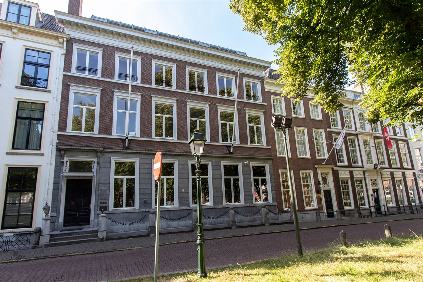View photo 1 of Lange Voorhout 44