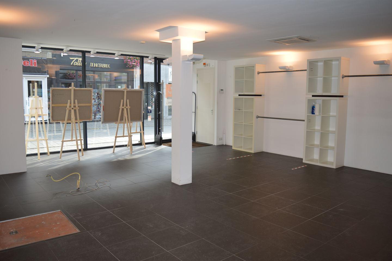 View photo 3 of Halstraat 24