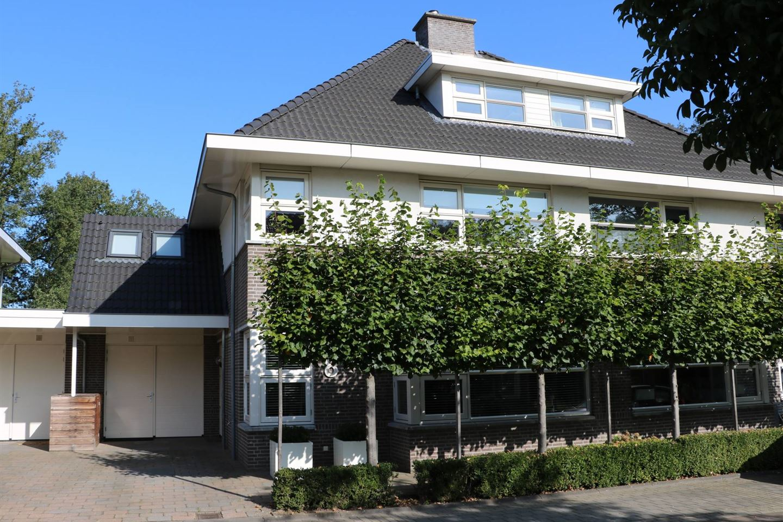 Bekijk foto 1 van de Schipbeek 8
