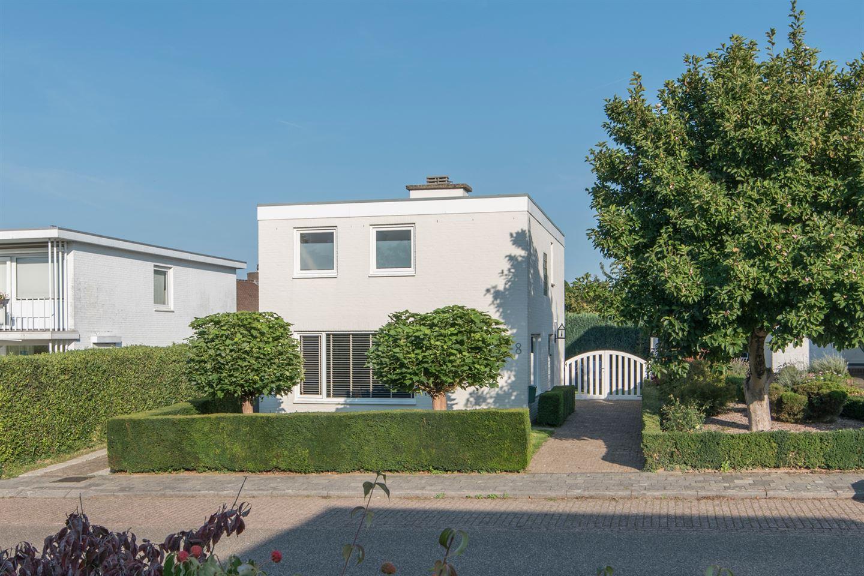 Bekijk foto 1 van Burgemeester Huybenstraat 8
