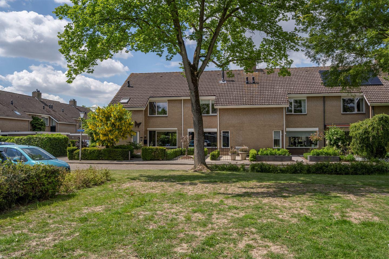 View photo 2 of Nieuwegeer 60