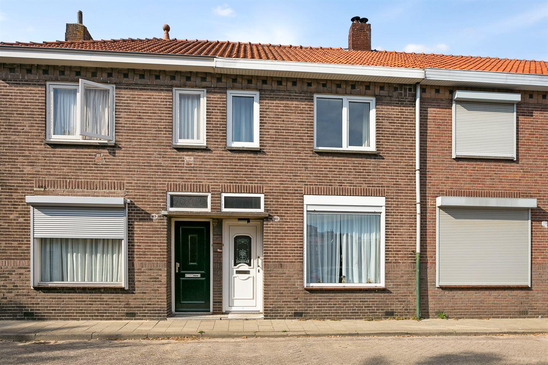 Bekijk foto 1 van Van Alphenstraat 41