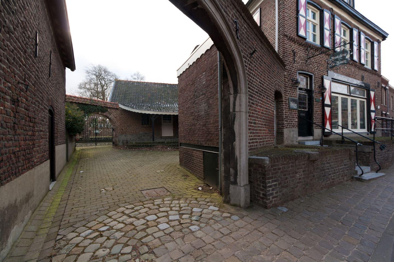 Bekijk foto 2 van Rijksweg Zuid 27 .