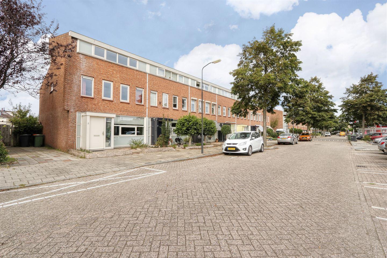 Bekijk foto 1 van Schouwenaarsstraat 4