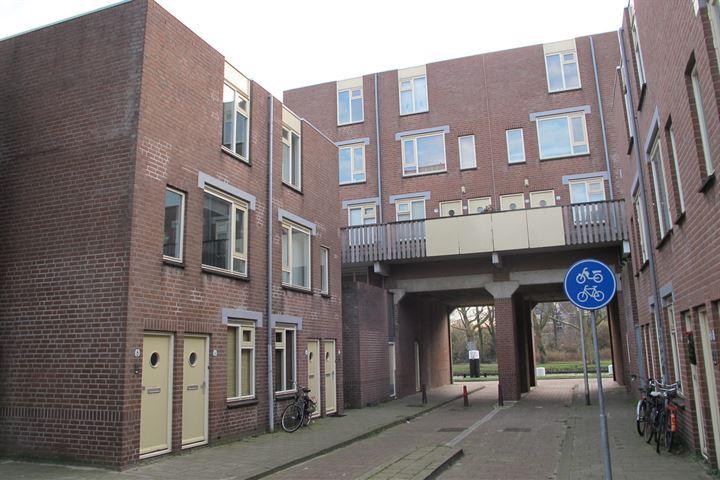 Torenstraat 8
