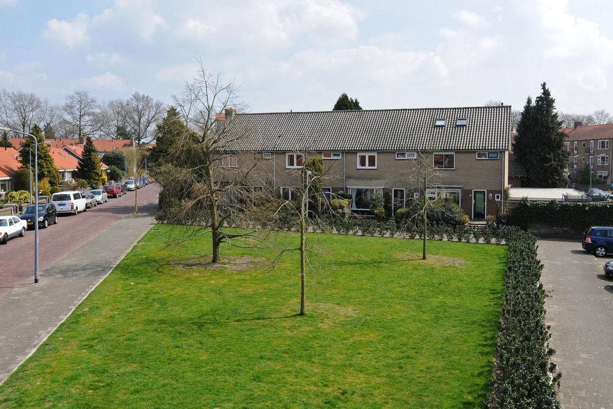 Bekijk foto 2 van Piet Heinstraat 17