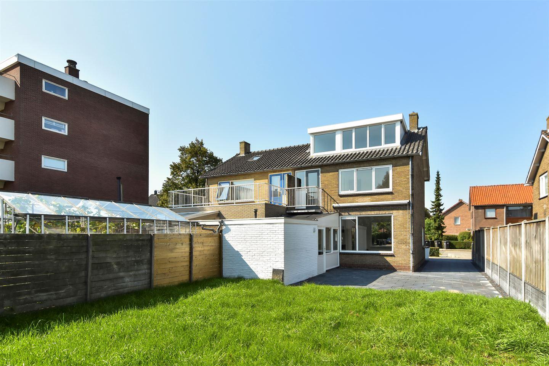 Bekijk foto 3 van Van Brakelstraat 6