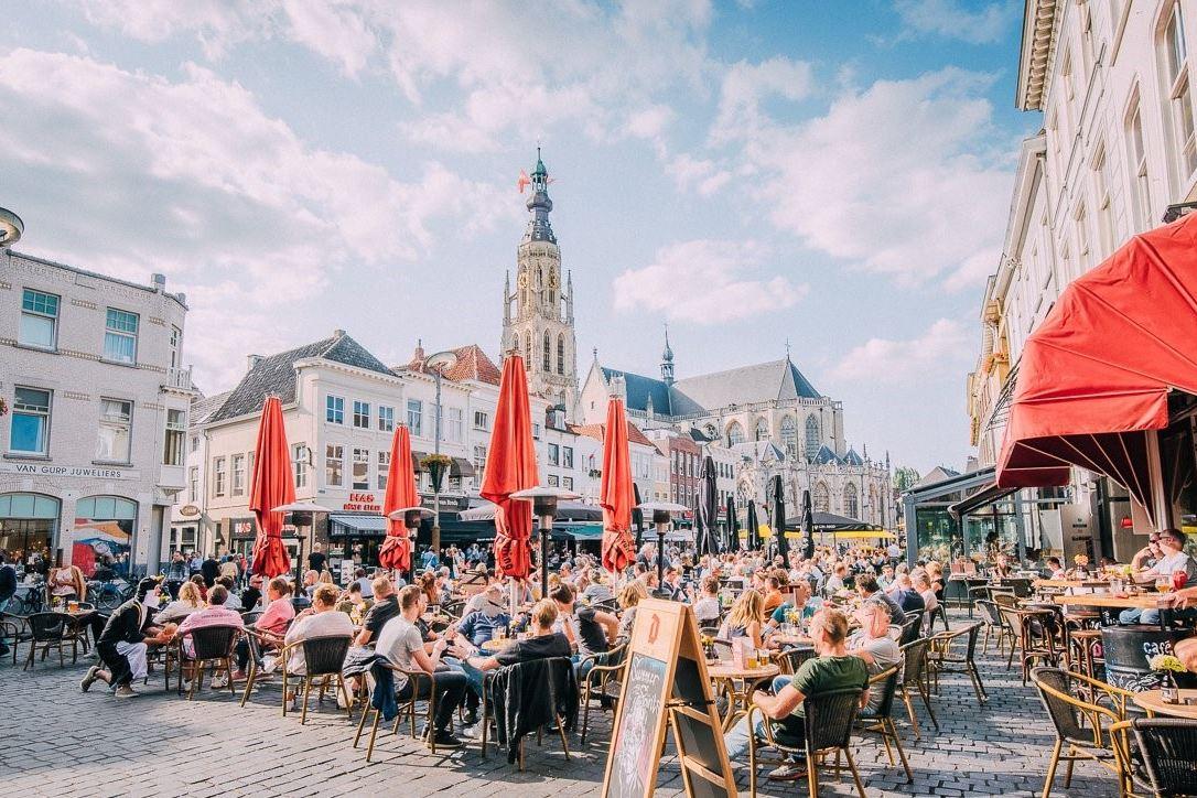 Bekijk foto 2 van Veemarktstraat 3