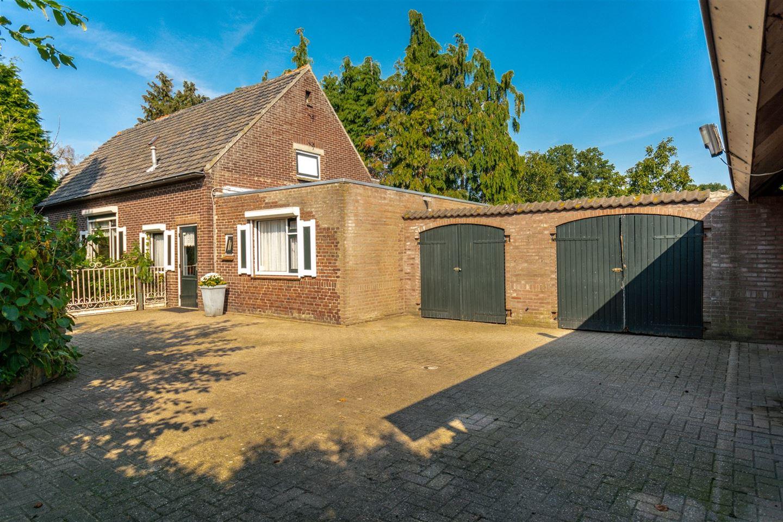 Bekijk foto 2 van Aalstvoortsestraat 5