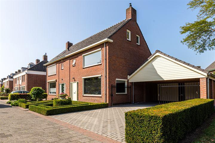 Adriaan Oomenstraat 25
