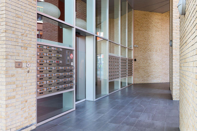 Bekijk foto 2 van Piet Mondriaanlaan 381