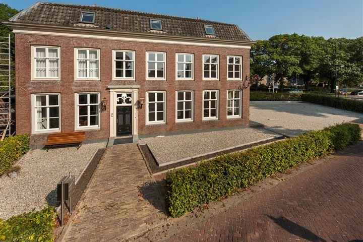 Burgemeester van den Boschstraat 1 - D