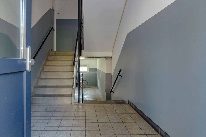 Bekijk foto 2 van Madame Curiestraat 40