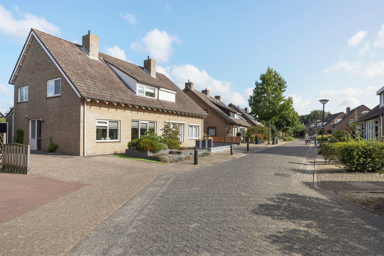Bekijk foto 2 van Den Achterhof 1