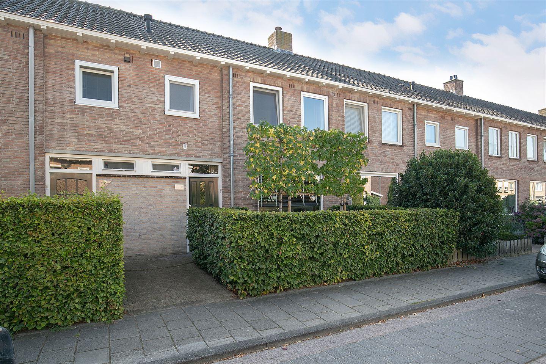 Bekijk foto 1 van Adriaan Poortersstraat 17