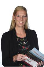 Rianne Doosjen (Real estate agent assistant)