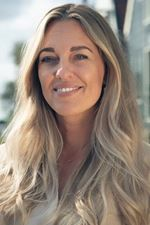 Laura Goede (Office manager)