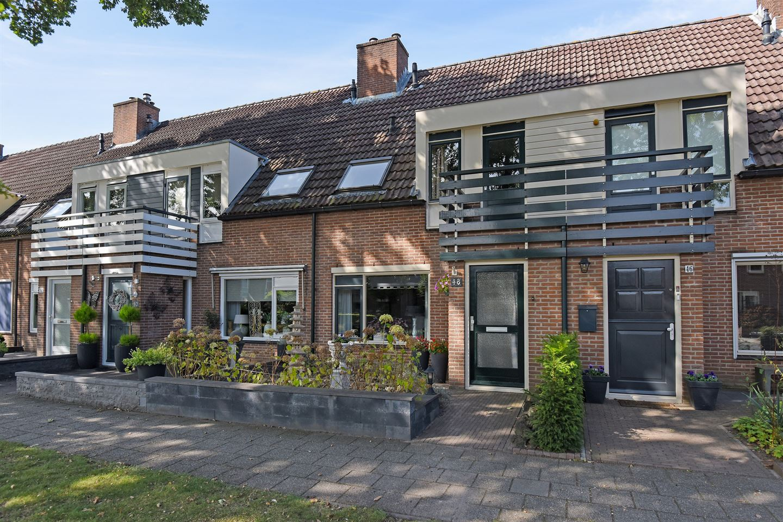 Bekijk foto 2 van Roosendaalseweg 48