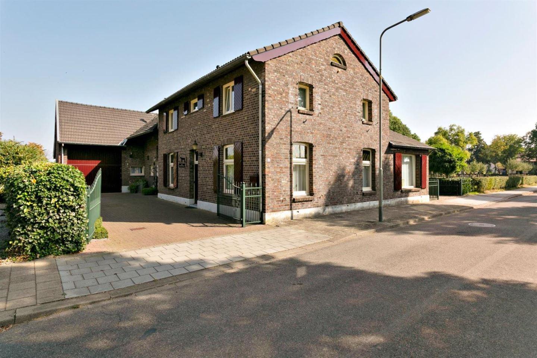 Bekijk foto 2 van Merker-Eyckstraat 60