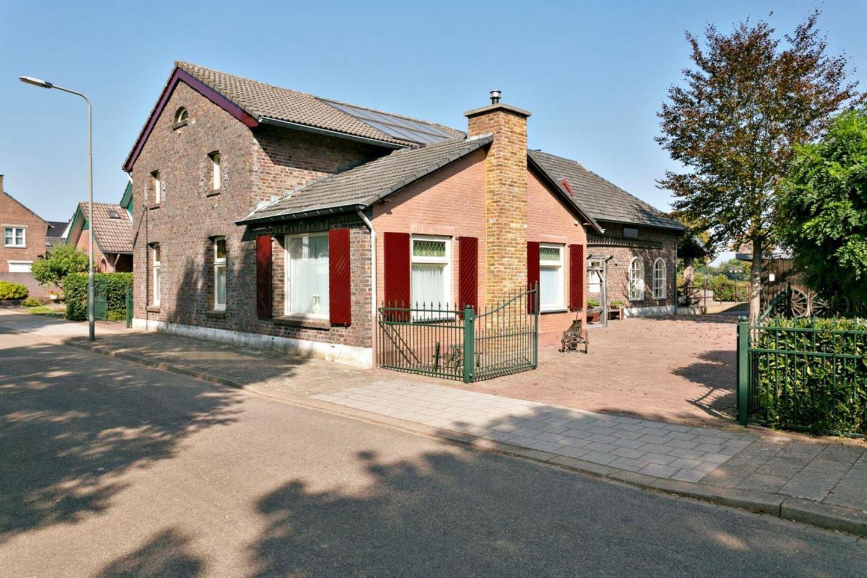 Bekijk foto 4 van Merker-Eyckstraat 60