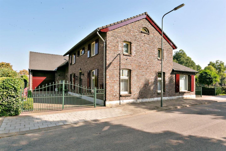 Bekijk foto 1 van Merker-Eyckstraat 60